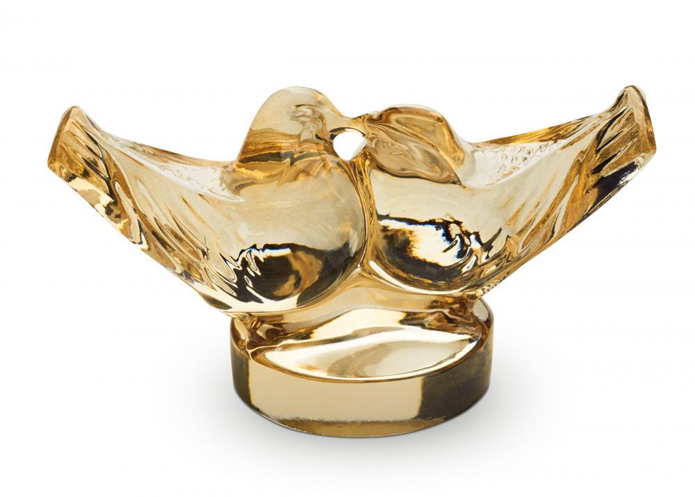 deux colombes face à face sur un cachet, en cristal lustré or